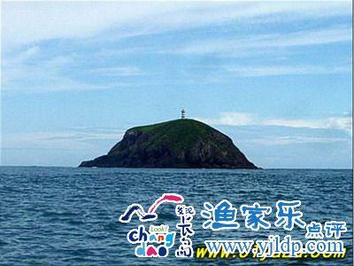 简称长岛,扼踞辽东半岛与山东半岛之间的渤海海峡,由大小30多个岛屿